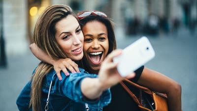 Face the front, and meet your next selfie cam…