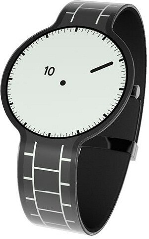 The FES Watch changes its design at the touch of a button thanks to electronic paper.
