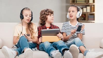 Find out what kind of phone you should buy for your kids, and what you should be aware of before doing so...